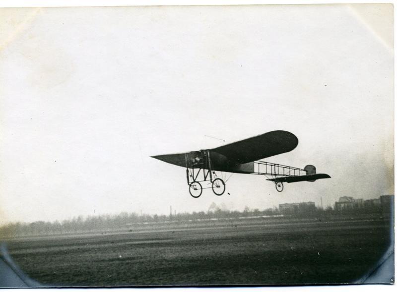 Monoplan Blériot en vol le 16 mars 1910_0