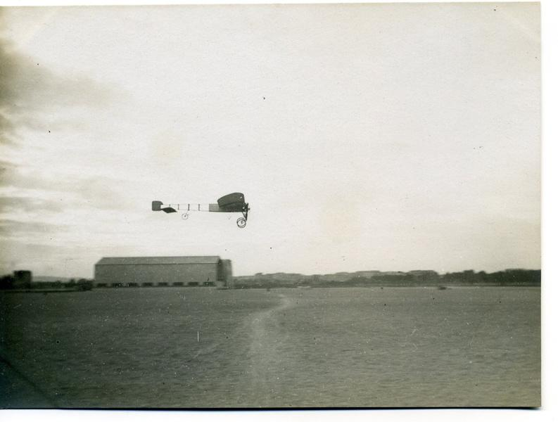 Monoplan Blériot en vol_0