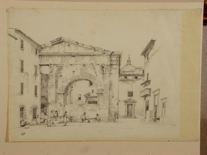 Façade antique dans une ville italienne_0