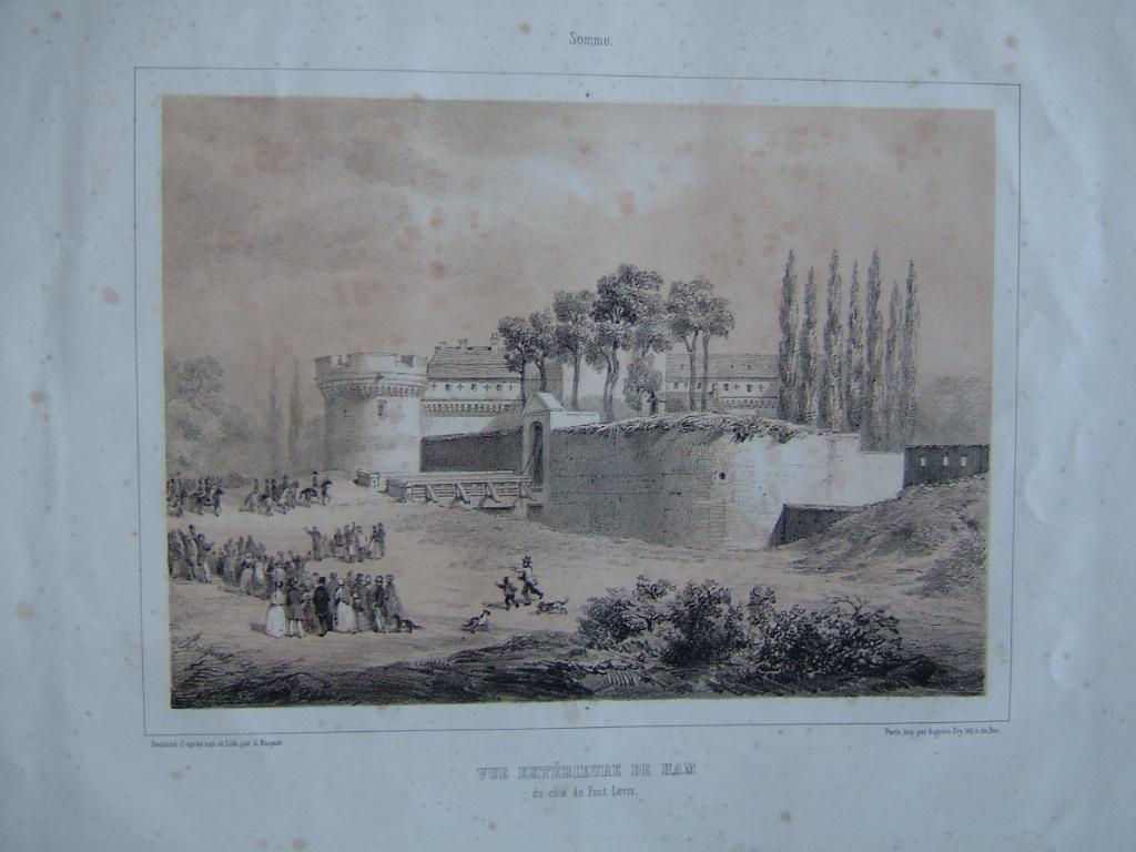Vue extérieure de Ham du côté du pont levis_0