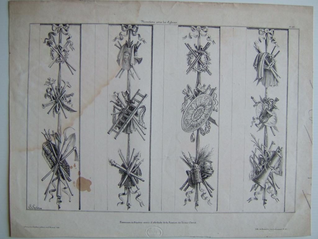 Panneaux de pilastres ornés des attributs de la Passion de Jésus Christ_0