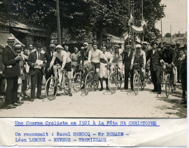 Soissons - Une course cycliste en 1921 à la fête Saint-Christophe_0