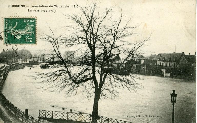 Soissons - Inondation du 24 janvier 1910 - Le port (vue aval)_0