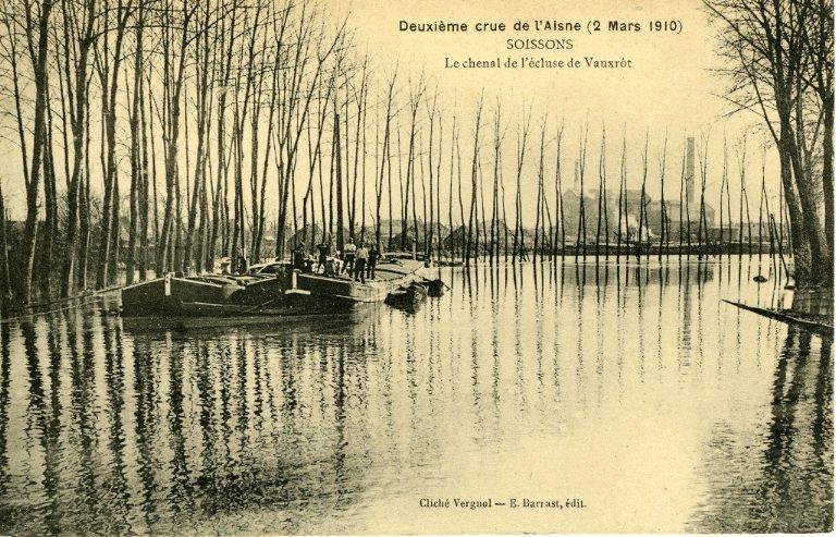 Soissons - Deuxième crue de l'Aisne (2 mars 1910) - Le Chenal de l'écluse de Vauxrot_0