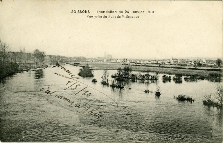 Soissons - Inondation du 24 janvier 1910 - Vue prise du pont de Villeneuve