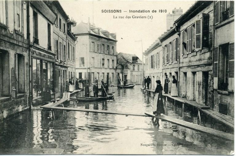 Soissons - Inondation de 1910 - La rue des graviers_0