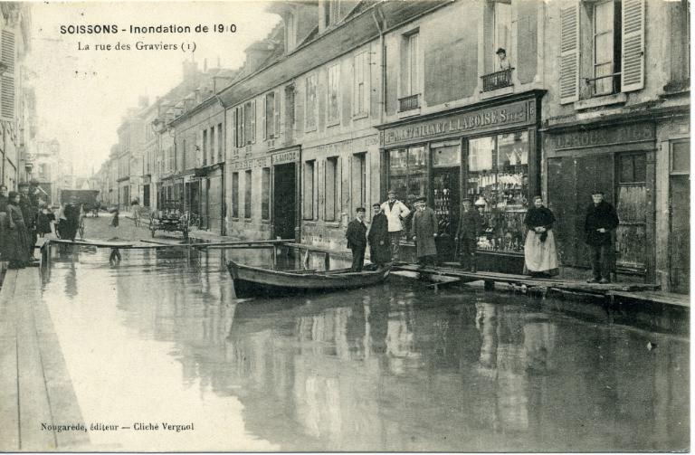 Soissons - Janvier 1910 - La rue des graviers_0