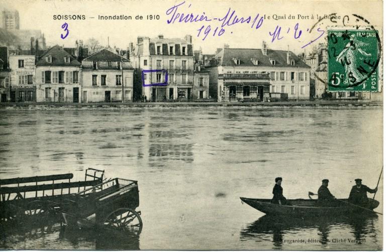 Soissons - Inondation de 1910 - Le quai du port à la bûche_0
