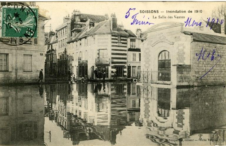 Soissons - Inondation de 1910 - La salle des ventes_0