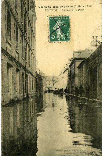 Soissons - Deuxième crue de l'Aisne (2 mars 1910) - La rue Notre Dame_0