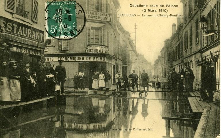 Soissons - Deuxième crue de l'Aisne (2 mars 1910) - La rue du Champ-Bouillant