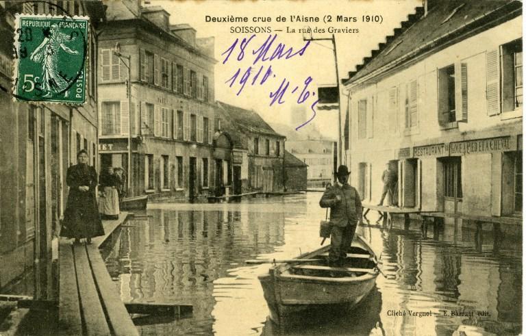 Soissons - Deuxième crue de l'Aisne (2 mars 1910) - La rue des graviers_0