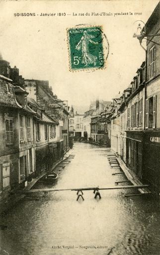 Soissons - Janvier 1910 - La rue du Pot d'Étain pendant la crue_0