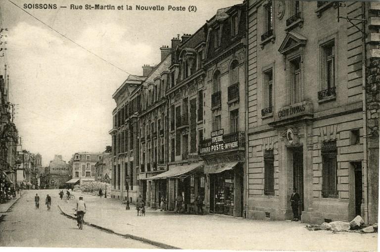 Soissons - Rue Saint-Martin et la nouvelle poste_0