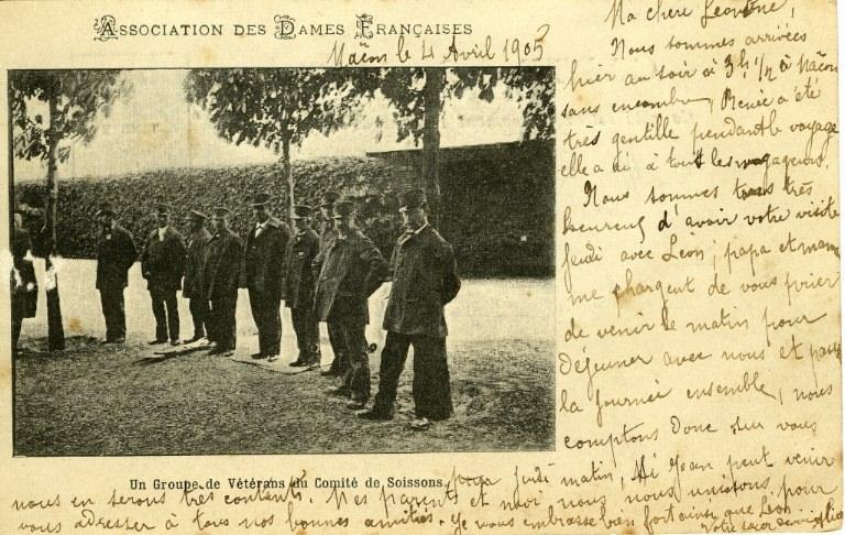 Soissons - Association des dames françaises - Un groupe de vétérans du comité de Soissons_0