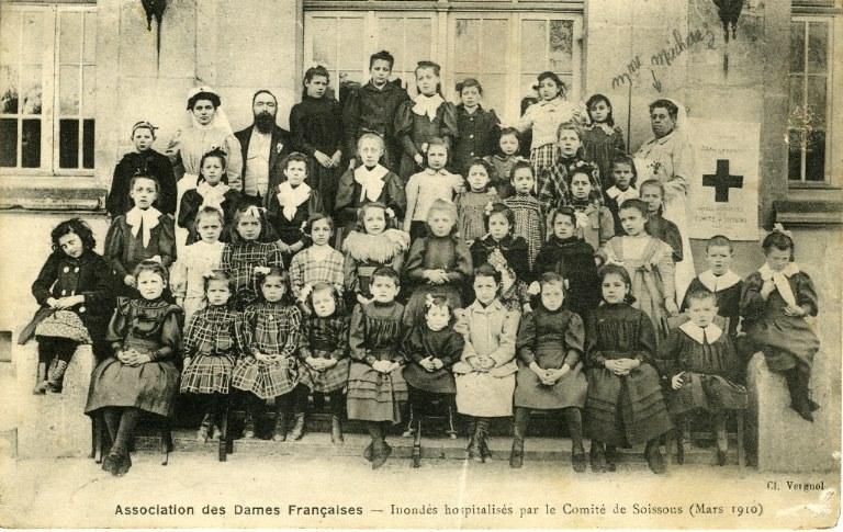 Soissons - Association des dames françaises - Inondés hospitalisés par le comité de Soissons (mars 1910)_0