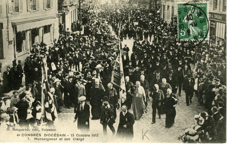 Soissons - Congrés diocésain - 13 octobre 1912 - Monseigneur et son clergé_0