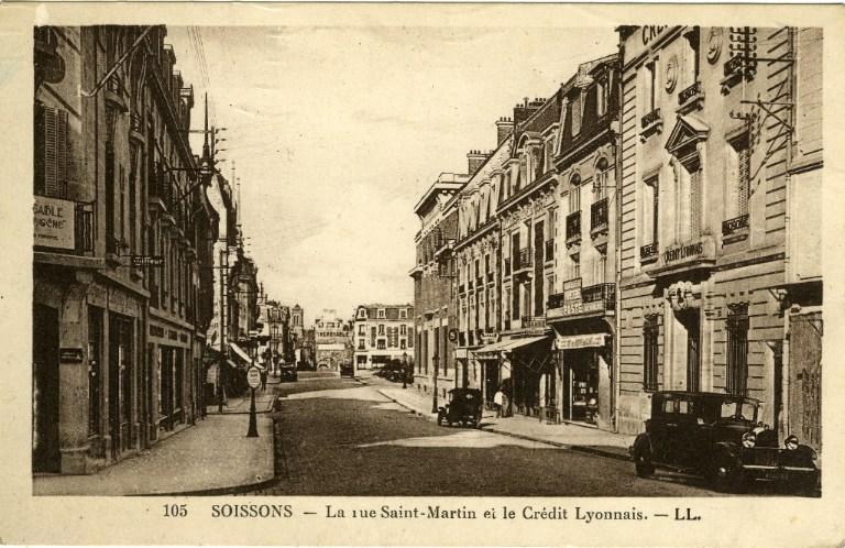 Soissons - La rue Saint-Martin et le crédit lyonnais
