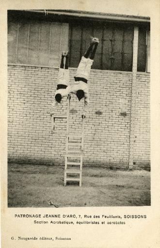 Patronage ' Jeanne d'Arc' - Soissons - Section acrobatique, équilibristes et acrobates_0