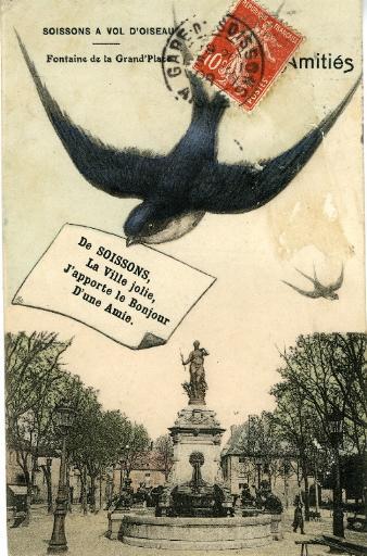 Soissons à vol d'oiseau - fontaine de la Grand'Place_0