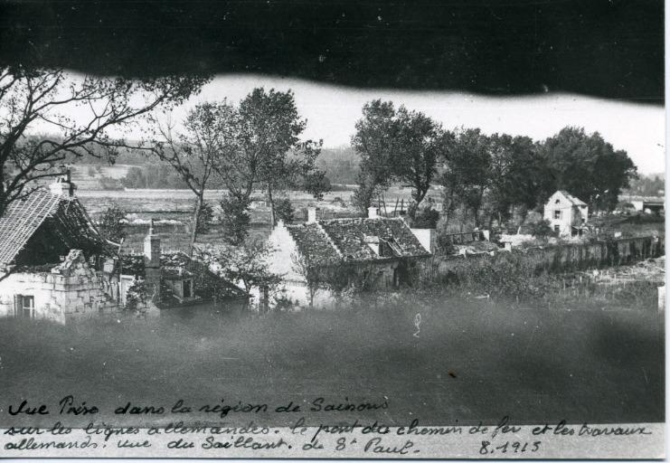 Vue prise dans la région de Soissons sur le lignes allemandes. le pont du chemin de fer et les travaux allemands. Vue du Saillant de Saint-Paul_0