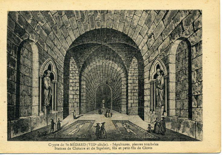 Soissons - Crypte de Saint-Médard (VIIIe siècle) - Sépultures, pierres tombales - Statues de Clotaire et de Sigebert, fils et petit-fils de Clovis_0