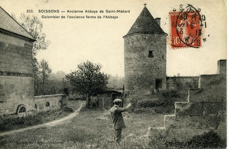 Soissons - Ancienne abbaye de Saint-Médard - Colombier de l'ancienne ferme de l'abbaye_0