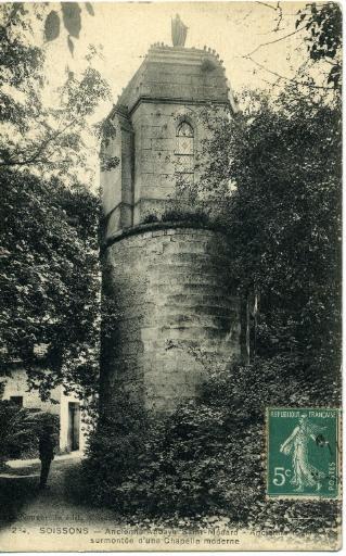 Soissons - Ancienne Abbaye de Saint-Médard - Ancienne tour surmontée d'une chapelle moderne_0
