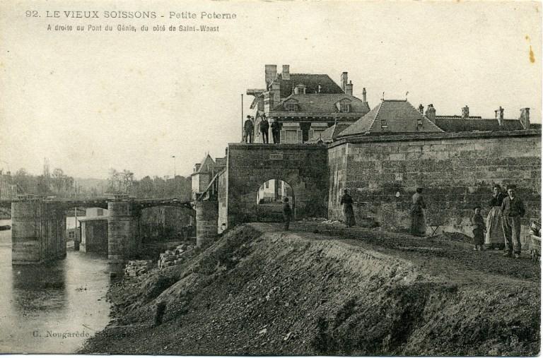 Le vieux Soissons - Petite poterne. A droite du Pont du Génie, du côté de Saint-Waast_0