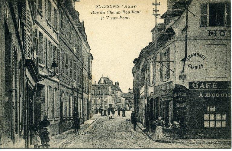 Soissons - Rue du champ bouillant et le vieux pont