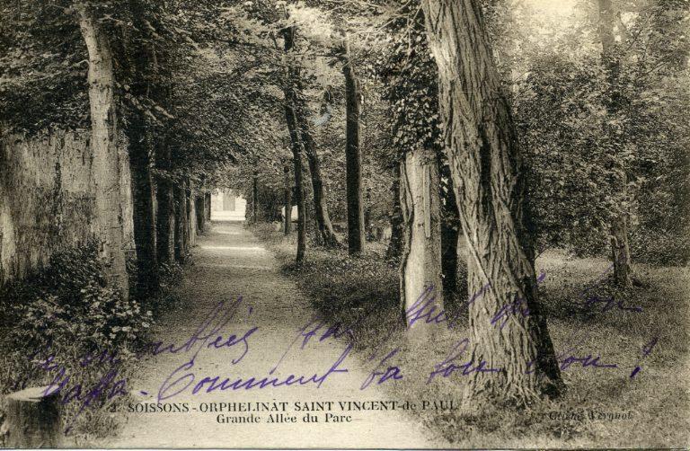 Soissons -Saint-Vincent de Paul - Grande allée du parc_0