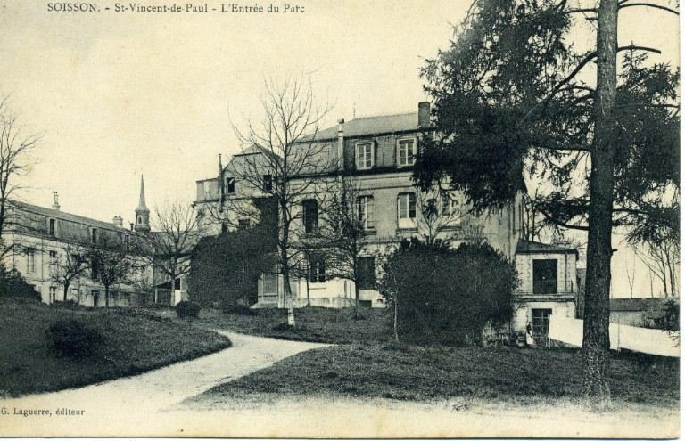 Soissons - Orphelinat Saint-Vincent-de-Paul - L'entrée du parc_0