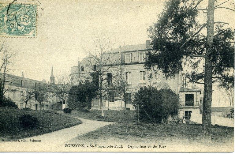 Soissons - Saint-Vincent-de-Paul - Orphelinat vu du parc_0