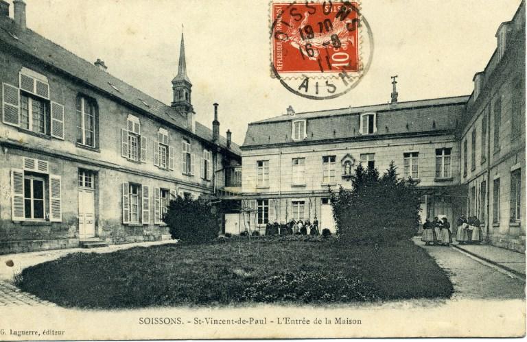 Soissons - Saint-Vincent-de-Paul - L'entrée de la maison_0