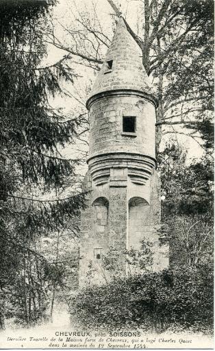 Soissons - Chevreux. Dernière tourelle de la maison forte de Chevreux, qui a logé Charles Quint dans la matinée du 12 septembre 1544_0