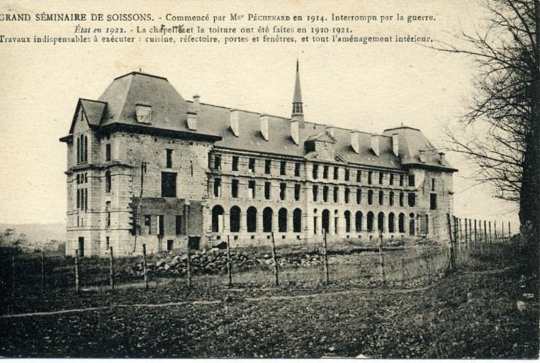 Grand Séminaire de Soissons - Commencé par Mgr Péchenard en 1914 - Interrompu par la guerre. Etat en 1922 - La charpente et la toiture ont été faites en 1920-1921. travaux indispensables à exécuter : cuisine, réfectoire, portes et fenêtres, et tout l'aménagement intérieur_0
