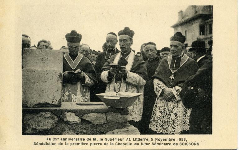 Soissons - Au 25e anniversaire de M. le supérieur Al. Littierre, 5 novembre 1923, Bénédiction de la 1ère pierre de la Chapelle du futur Séminaire de Soissons_0