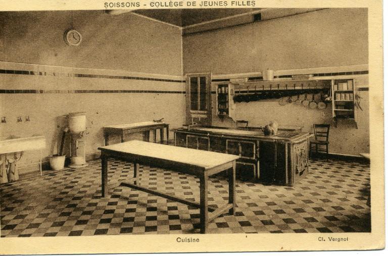 Soissons - Collège de Jeunes Filles - Cuisine_0