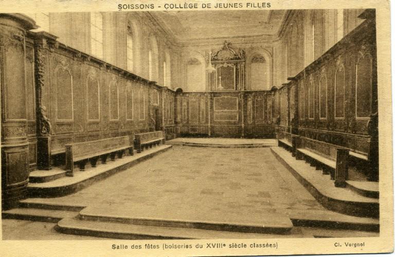 Soissons - Collège de Jeunes Filles -Salle des fêtes (boiseries du XVIIIe siècle classées)_0