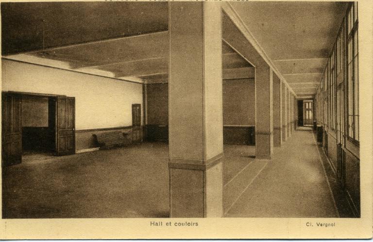 Soissons - Collège de Jeunes Filles - Hall et couloirs_0