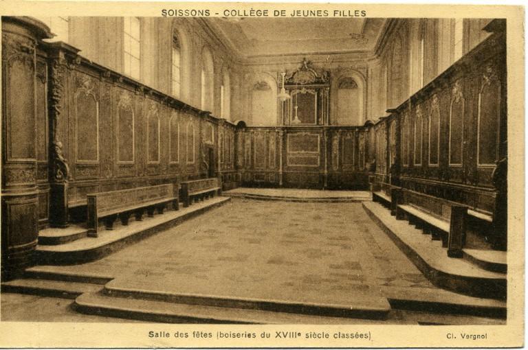 Soissons - Collège de Jeunes Filles -Salle des fêtes (boiseries du XVIIIème siècle classées)_0