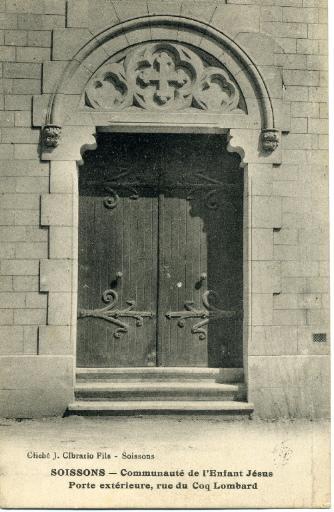 Soissons - Communauté de l'Enfant Jésus - Porte extérieure, rue du Coq-Lombard_0