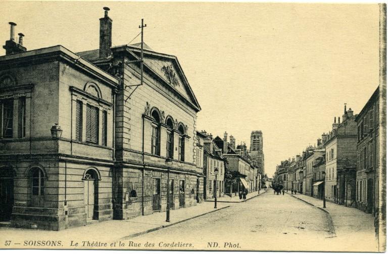 Soissons - Le Théâtre et la Rue des Cordeliers_0