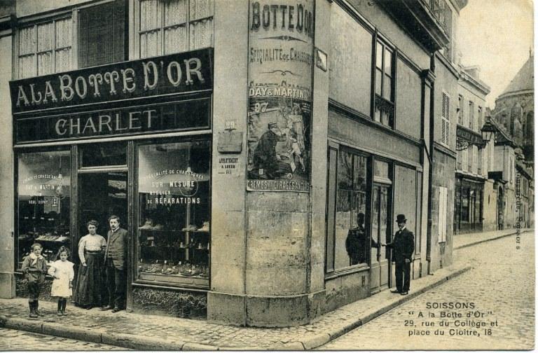Soissons - ' A la botte d'Or ' 29, rue du Collège et place du Cloître_0