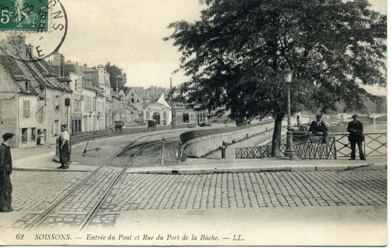 Soissons - Entrée du Pont et Rue du Port de la Bûche_0