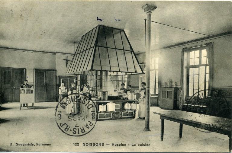Soissons - Hospice - La cuisine_0