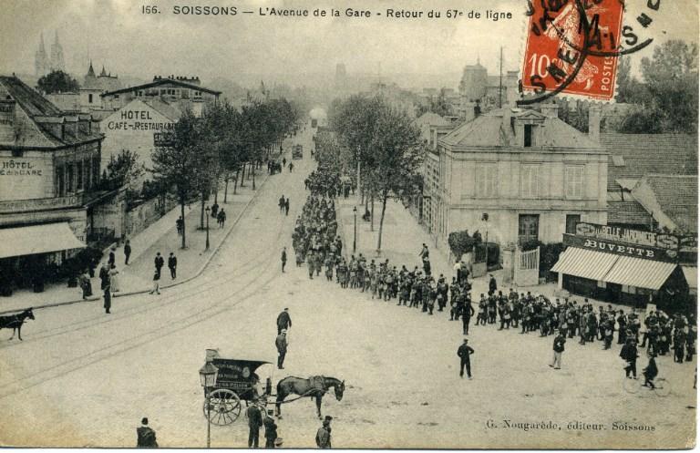 Soissons - Avenue de la Gare - Retour du 67e de ligne_0
