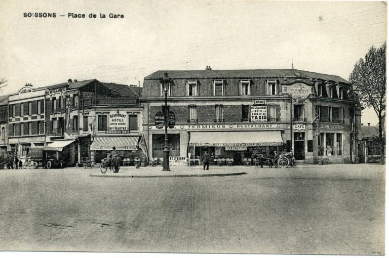 Soissons - Place de la Gare_0