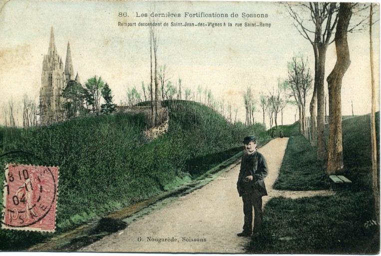 Soissons - Les dernières Fortifications - Rempart descendant de Saint-Jean-des-Vignes à la rue Saint-Rémy