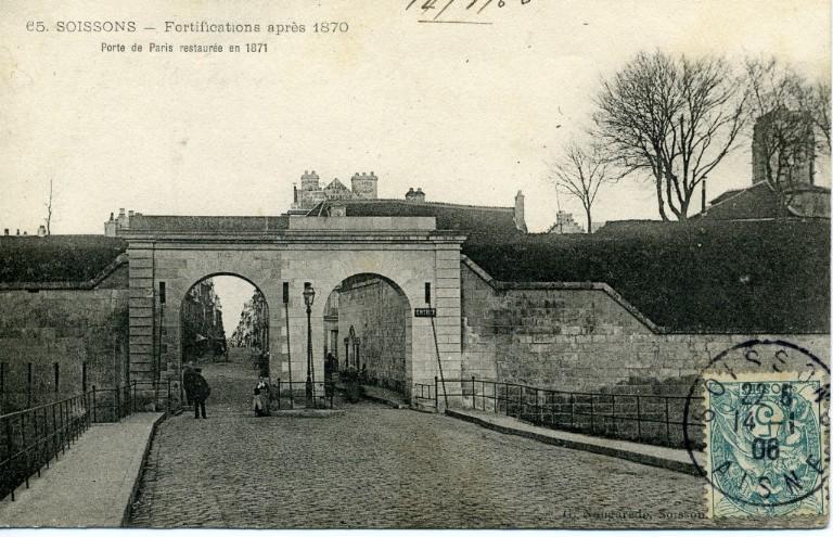 Soissons - Fortifications après 1870. Porte de Paris restaurée en 1871